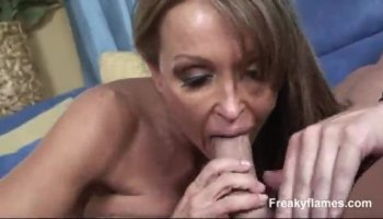 Gal acquires orgasmic pounding from the back