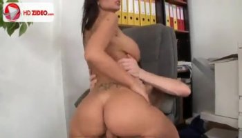 Sex diva with wazoo gets pussy fingered and plowed